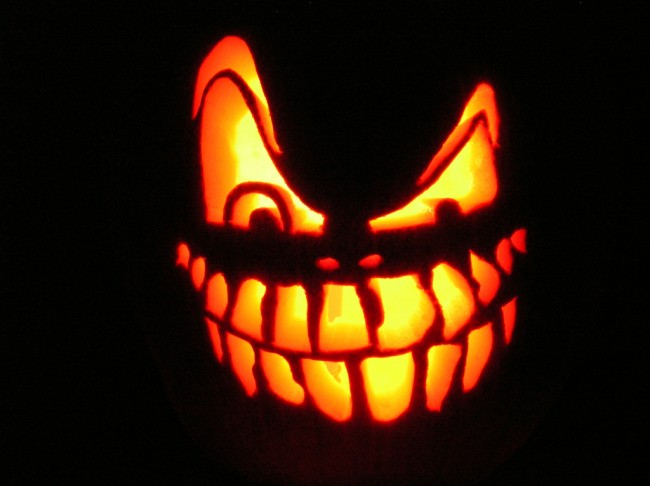happy-halloween-650x486